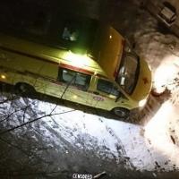 Из окна омского колледжа выпал молодой человек