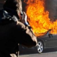 В Омске на Станционной сгорел Mercedes-Benz
