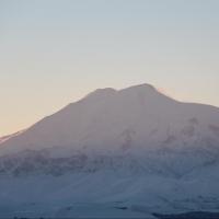 На склоне Эльбруса нашли тела 6 альпинистов