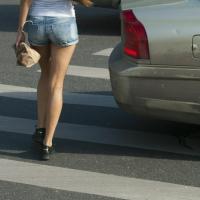 Омский водитель извинился перед девушкой-пешеходом в соцсетях