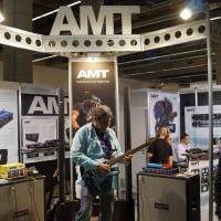 Музыкальные инструменты из Омска получили высокую оценку на выставке в Германии