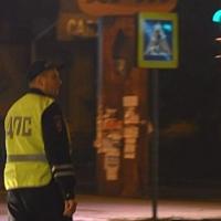 В Омске при попытке не сбить пешеходов водитель маршрутки въехал в Лексус