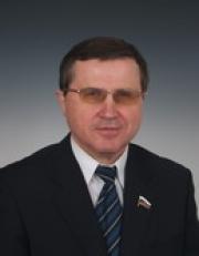 Депутат-коммунист Олег Смолин информировал Госдуму о кампании за отставку губернатора Омской области