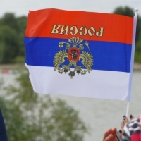 Первые лица региона поздравили омичей с Днем государственного флага