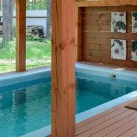 В Омской области продается база отдыха с минеральным бассейном