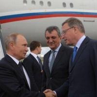 Стал известен разговор Путина с Бурковым во время визита в Омск