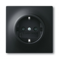 Черные выключатели и розетки — отличное решение для любого интерьера