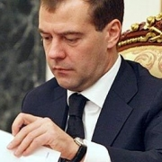 Медведев выделил омским аграриям полмиллиарда рублей