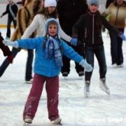 К Новому году жителей Центрального округа поставят на лыжи и коньки
