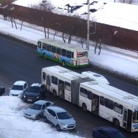Владимир Геворгян предложил убрать с омских маршрутов громадные автобусы