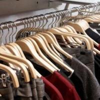 Вешалки и плечики для хранения одежды