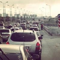 Дороги у омского «Континента» заполнились пробками из-за ремонта объездной