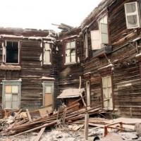 В Омске жителей аварийных домов пообещали расселить до холодов