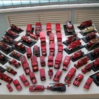 Омский пожарный показал свою коллекцию моделей машин в музее