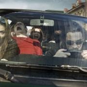 ЛДПР хочет рассадить россиян в машины по трое