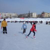 Омичей ожидают «Новогодние старты» на льду