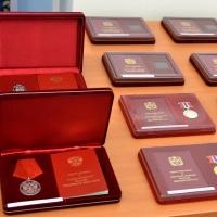 Виктор Назаров наградил омичей за многолетний труд и заслуги перед обществом