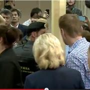 Алексей Навальный приговорен к лишению свободы