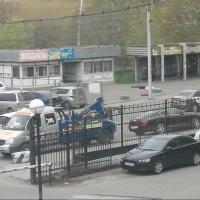В Омске у больницы на Березовой эвакуировали «Бентли»