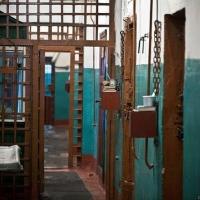 Наркоторговец, стрелявший в омского полицейского, проведет в тюрьме 8 лет