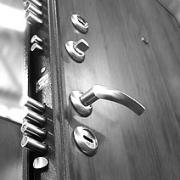 Металлические двери на защите вашего жилья