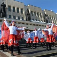Омичи отметили день присоединения Крыма торжественным митингом