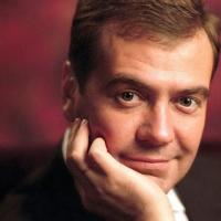 Дмитрий Медведев пересадит омских чиновников на отечественные автомобили