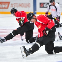 Омский «Авангард» провел свою первую ледовую тренировку в межсезонье