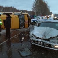 Один человек погиб и девять пострадали в ДТП в Омске