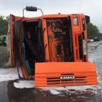КАМАЗ столкнулся с ГАЗелью под Омском: пострадали 5 человек (фото)