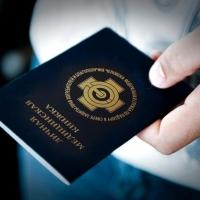 Двоим омичкам грозит полгода ареста за поддельные санитарные книжки