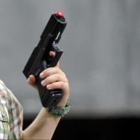 В омской школе пятиклассник выстрелил в ухо девочке