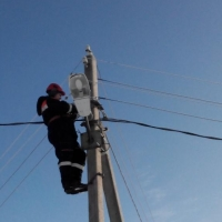 Под Омском на рабочем месте погиб электромонтер