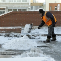 Омские дорожники чистили улицы даже в морозы