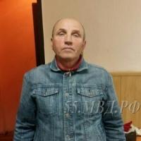 В Омске рецидивист с чулком на голове напал на санитарку роддома и на школьницу