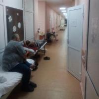Омская больница переполнена пациентами с пневмонией