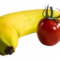 В Омске резко подорожали помидоры и бананы