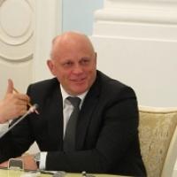 Виктор Назаров с Дмитрием Медведевым будут искать интеллект в промышленности