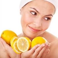 Решить проблемы с волосами поможет простой лимон