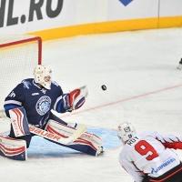 Минское «Динамо» помогло выиграть омскому «Авангарду»