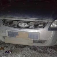 Омичка скрутила номер с машины соседа, занявшего ее парковочное место