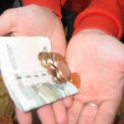 Омских предпринимателей обяжут платить работникам не меньше 5 тысяч 722 рублей
