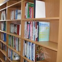Преимущества современных библиотечных стеллажей