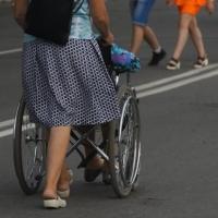 Бурков хочет добиться финансирования на переселение инвалидов на первые этажи