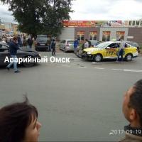 В Омске произошло ДТП с участием такси
