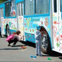 Юных омичей приглашают на «Зеленый остров» отметить детский праздник