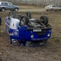 Под Омском перевернулся автомобиль «Почты России»