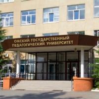 Бурков напомнил федералам об отсутствии ректора в ОмГПУ
