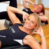 Фитнес тренировки с личным инструктором в тренажерном зале