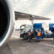"""""""Газпром нефть"""" получил половину топливного комплекса омского аэропорта"""